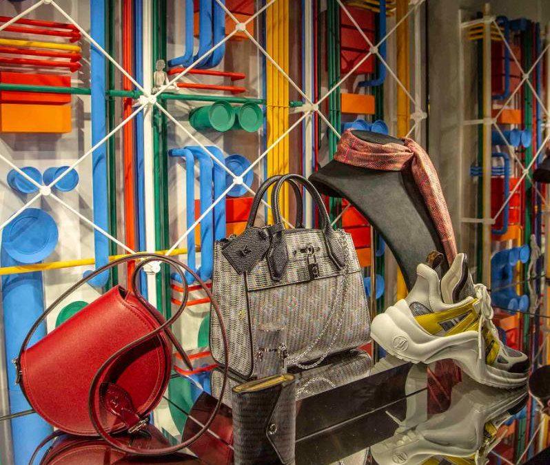 Des vitrines Pompidou pour l'ensemble des boutiques